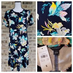 NWT Ann Taylor S SMALL Floral Print Pull On Dress